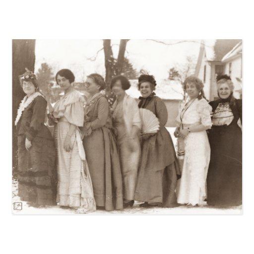Vestidos pasados de moda postal