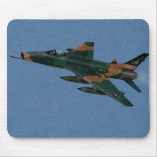 Veterano de guerra estupendo del F-100 SABRE Vietn Alfombrilla De Raton