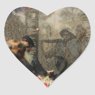 Veteranos de Vietnam conmemorativos Calcomanía Corazón