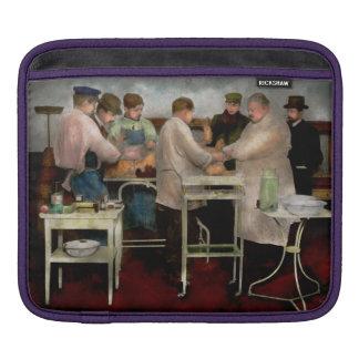 Veterinarian - Saving my best friend 1900s iPad Sleeves