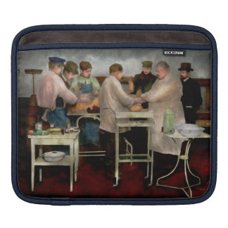Veterinarian - Saving my best friend 1900s Sleeve For iPads