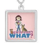 Veterinario del chica collar personalizado