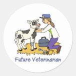Veterinario futuro - chica con la vaca pegatina redonda