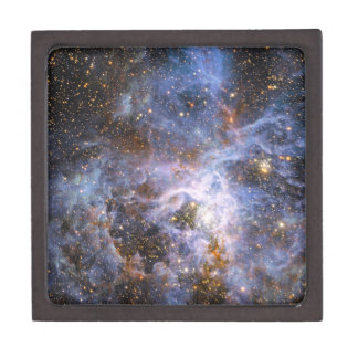VFTS 682 in the Large Magellanic Cloud Gift Box