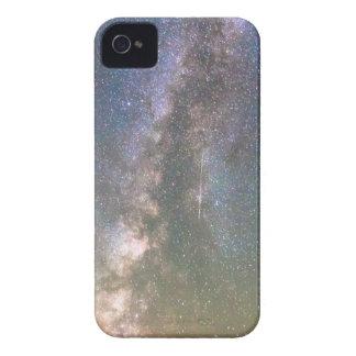 Vía láctea de la montaña rocosa y estrella el caer funda para iPhone 4 de Case-Mate