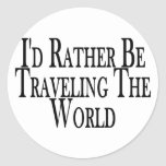 Viaja bastante el mundo pegatina redonda