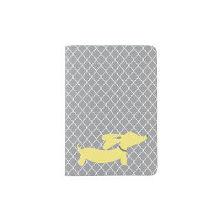 Viaje amarillo de la cubierta del pasaporte del porta pasaporte