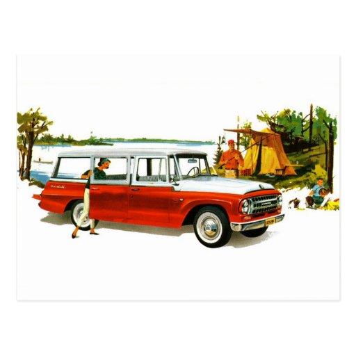 Viaje auto de la furgoneta de los años 60 del postal