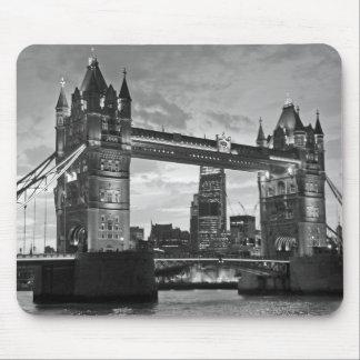 Viaje BRITÁNICO de Londres del puente blanco negro Tapetes De Raton