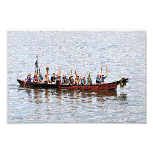 Viaje de la canoa de la isla de Squaxin Impresión Fotográfica