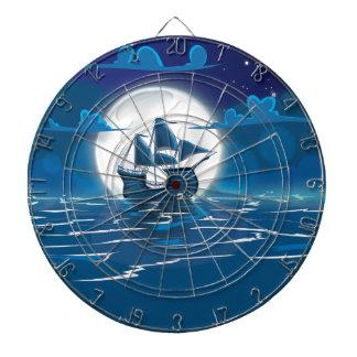 Viaje de Sailship bajo claro de luna Tabla Dardos