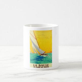 Viaje del francés de los barcos de vela del taza básica blanca