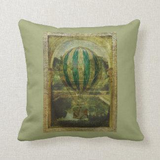 Viaje del globo del aire caliente cojín decorativo