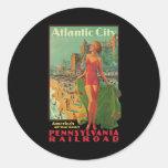 Viaje del vintage; El centro turístico de Atlantic Pegatina Redonda