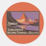 Viaje del vintage, montaña de Cervino en Suiza Etiqueta Redonda
