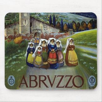 Viaje del vintage mujeres de Abruzos Italia Alfombrilla De Ratón