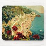 Viaje del vintage, playa italiana de la costa de tapetes de ratón