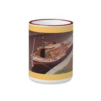 Viaje en barco estrecho taza a dos colores