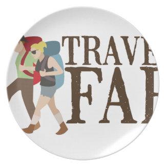 Viaje lejos platos de comidas