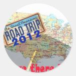 Viaje por carretera 2012 - ¿Estamos allí todavía? Pegatina Redonda