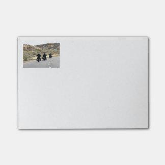 Viaje por carretera de la motocicleta - trío del m post-it® nota