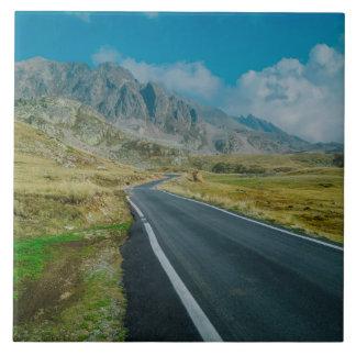 Viaje por carretera de las montañas azulejo ceramica