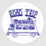 Viaje por carretera de las vacaciones etiquetas redondas