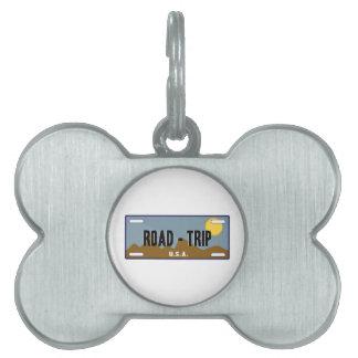Viaje por carretera placa mascota