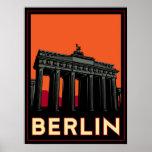 viaje retro del art déco más oktoberfest de Berlín Posters