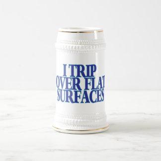 Viaje sobre superficies planas jarra de cerveza