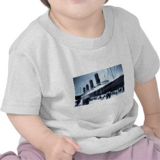 Viaje virginal del Lusitania del RMS, 13 Camisetas
