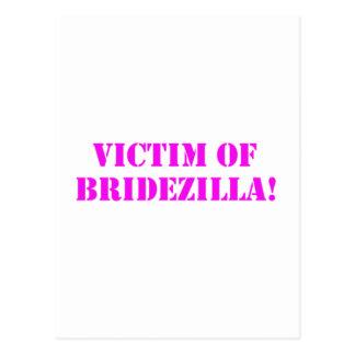 Víctima del rosa de Bridezilla Tarjeta Postal