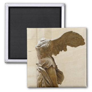 Victoria coa alas de Samothrace Imán Cuadrado