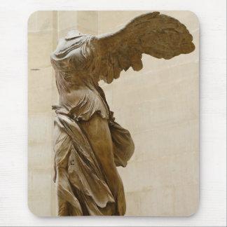 Victoria coa alas de Samothrace Mouse Pad