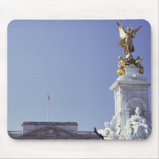 Victoria Monument and Buckingham Palace in Mouse Pad