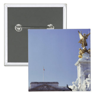 Victoria Monument and Buckingham Palace in Pinback Button