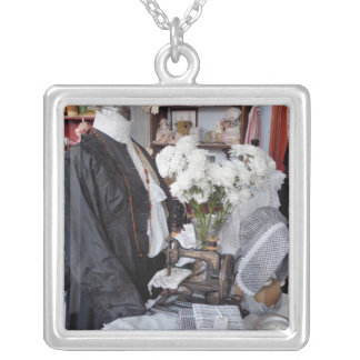 VICTORIAN ENGLAND SILVER PLATED NECKLACE