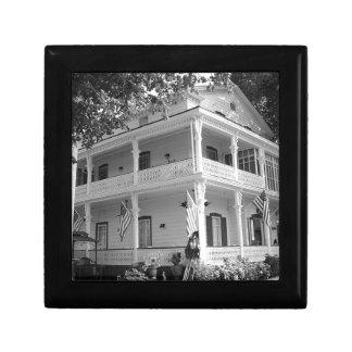 Victorian Home in Black & White Keepsake Box