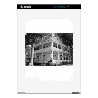 Victorian Home in Black & White Skins For The iPad 2