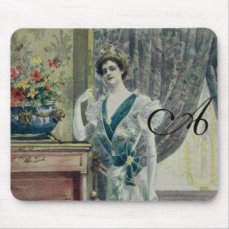 Victorian Lady –Vintage French Fashion-Green Dress Mousepads