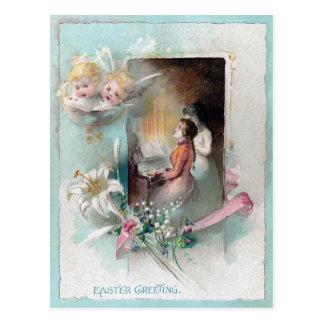 Victorian Pascua con la mujer en el piano y las Tarjetas Postales