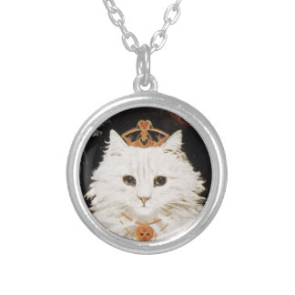 Victorian White Cat Queen Of Hearts Round Pendant Necklace