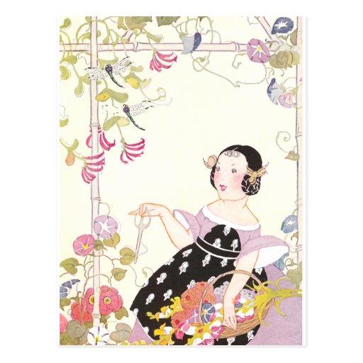 Vid y chica de la madreselva con las flores de postales