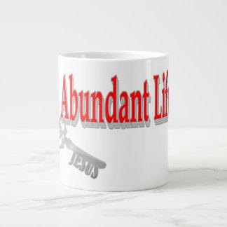 Vida abundante: La llave - v1 (Juan 10: 10) Taza De Café Gigante