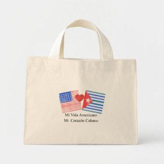 Vida americano, corazón cubano mini tote bag
