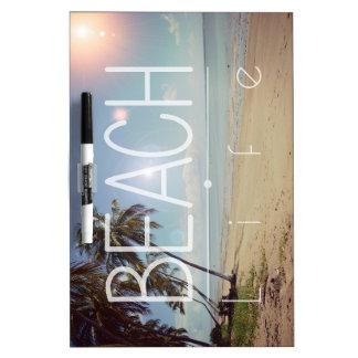 Vida de la playa de la isla tablero blanco