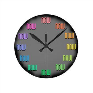 Vida en el Now; -) Reloj Redondo Mediano