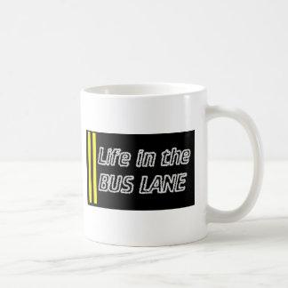 Vida en la ruta del autobús taza básica blanca