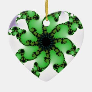 Vida floreciente adorno navideño de cerámica en forma de corazón