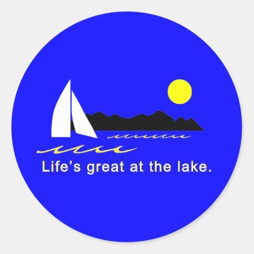 Vida grande en el lago etiquetas redondas